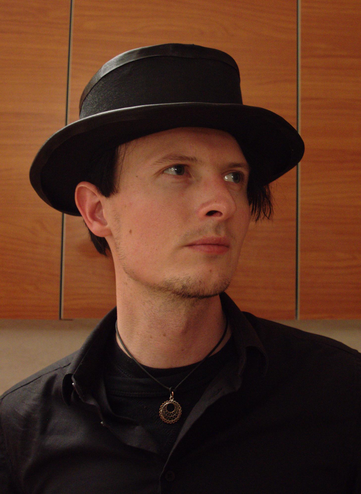 hat_11